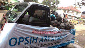 Bersihkan Sisa Banjir, DPU DT Lakukan Opsih
