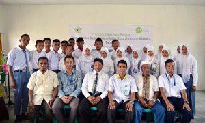 Peringati Hardiknas, Mt Bandara Pattimura Ambon IZI- Berikan Beasiswa Pelajar