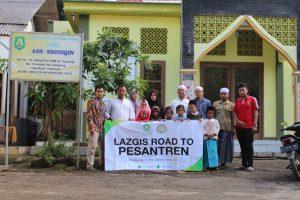 LAZGIS Peduli Gelar Road To Pesantren ke Sejumlah Ponpes di Karawang