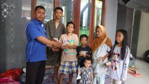 LAZGIS Peduli Salurkan Bantuan ke Penyintas Banjir di Cipinang Melayu dan Karawang