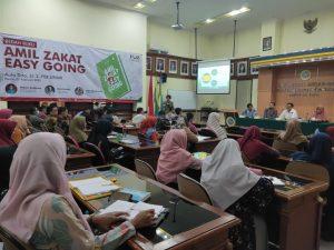 Sekjen FOZ Membedah Buku 'Amil Zakat Easy Going' di Jawa Timur