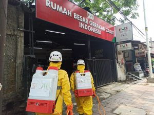 Alhamdulillah, BMH Semprot Desinfektan ke Kantor Forum Zakat