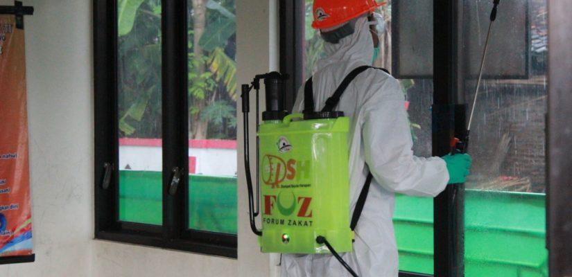 Minimalisir Penyebaran Covid-19, DSH lakukan Penyemprotan Desinfektan