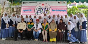 Kotakamal Indonesia Menyelia Social Project Sma Al Hikmah Surabaya