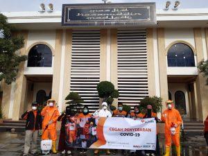 Cegah Penyebaran Covid-19, Rumah Zakat Kalimantan Selatan Lakukan Aksi Bersih dan Semprot Desinfektan