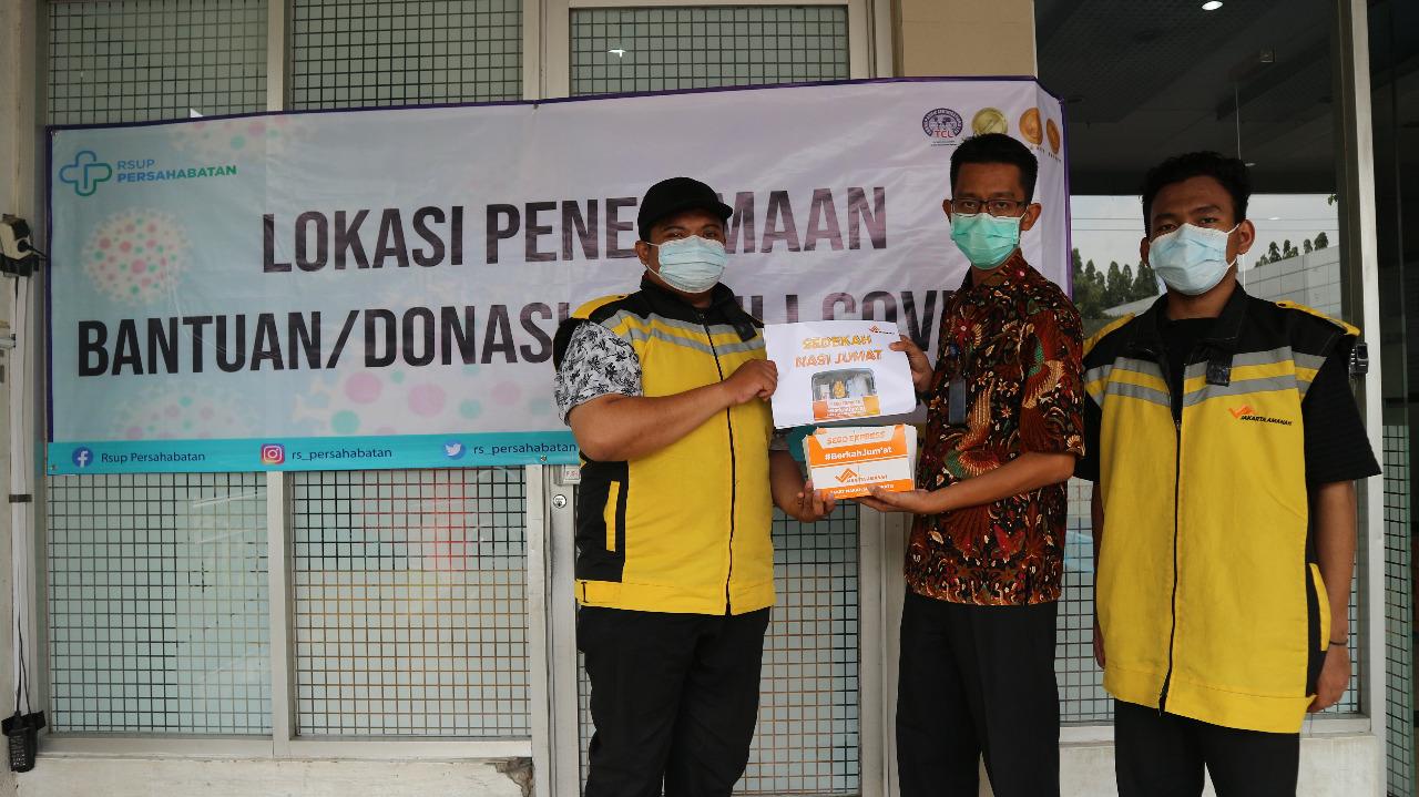 Support Tenaga Medis, LAZ Jakarta Amanah Kirim Seratus Paket Makanan dan Nutrisi
