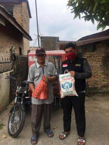 BMH Bagikan Sembako untuk Warga Terdampak Covid-19 di Medan