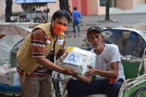Bantu Ekonomi Pekerja Informal, DQ Bagi-bagi Sembako