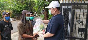 LAZIS Catur Bakti Bagikan Paket Makanan Untuk Masyarakat Terdampak Pandemi