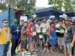 PZU Salurkan Ratusan Nasi Kotak dari Donatur
