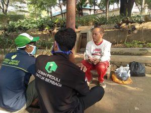Lazis Jateng Solo Bagikan Sembako dan Daging