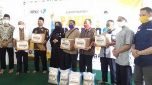 SOLOPEDULI dan BPKH RI Kembali Bagikan 250 Paket Sembako