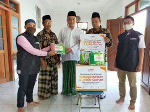 PPPA Daarul Quran Semarang Berbagi Al-Qur'an dan Masker untuk Santri Madrasah Diniyah Magelang