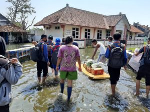 Yatim Mandiri Salurkan Bantuan untuk Korban Banjir Pekalongan