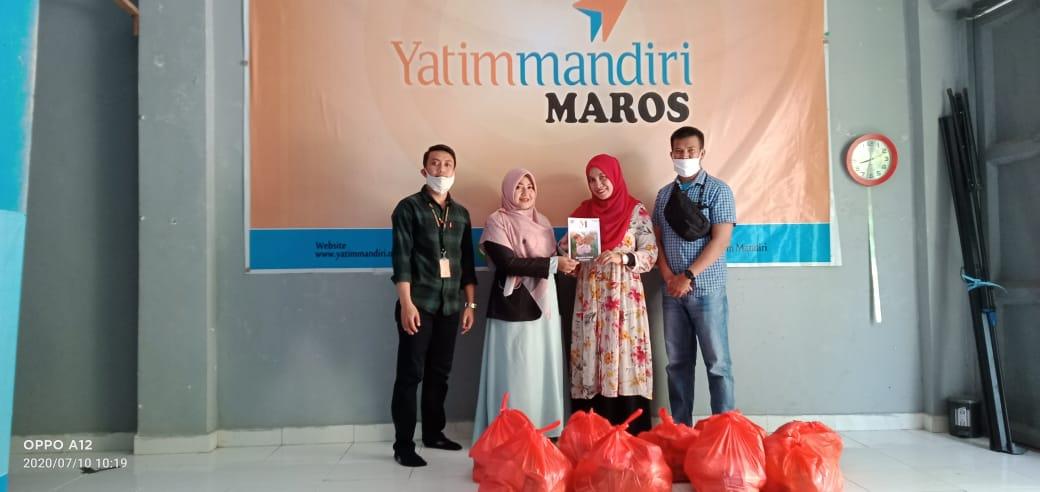 Yatim Mandiri Maros Salurkan Paket Sembako