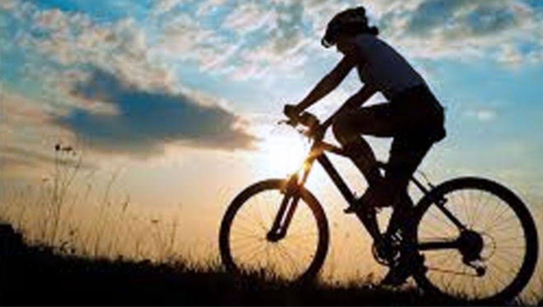 Kopi, Korona dan Sepeda