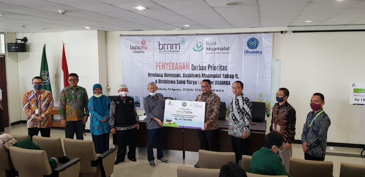 Bersama Bank Muamalat, BMM Serahkan Qurban dan Beasiswa Tahap 2 Mahasiswa UHAMKA