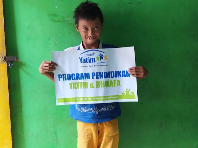 Bantuan Beasiswa Dhuafa untuk Yatim Piatu Pencari Keong di Yogyakarta