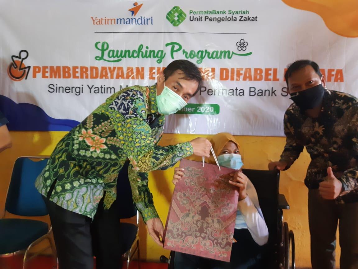 UPZ Permata Bank Syariah & Yatim Mandiri Sinergi Salurkan Modal Usaha Untuk Difabel Dhuafa