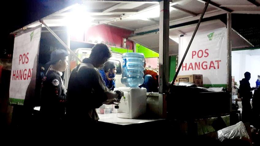 Respons Longsor Sumedang, Dompet Dhuafa Jabar Dirikan Pos Hangat