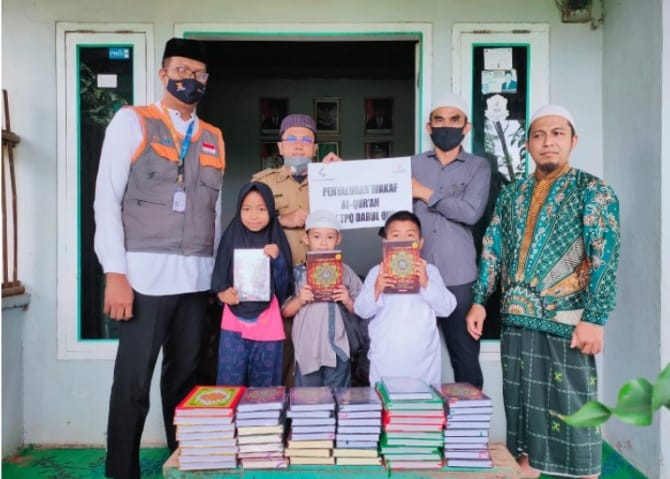 Yatim Mandiri Salurkan Al-Qur'an untuk TPA Darul Qur'an Lampung